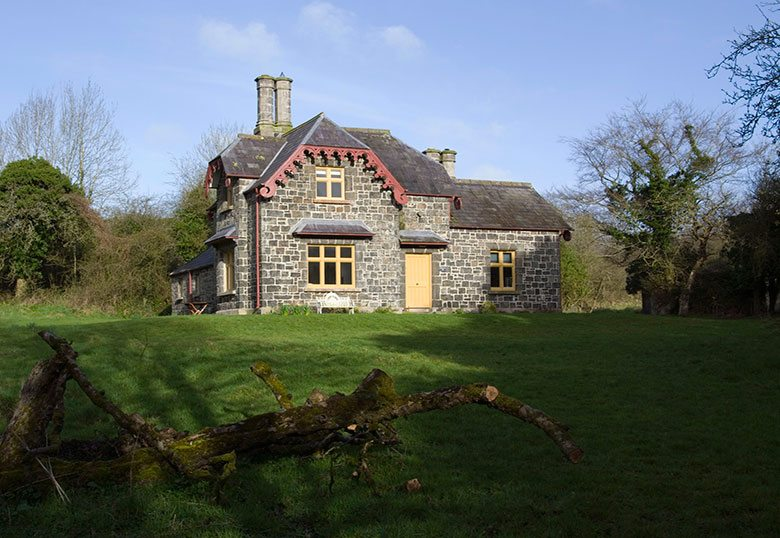 Ballealy Cottage 25% discount